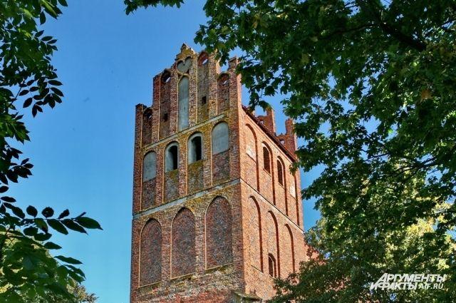 В поселке под Калининградом восстанавливают Кирху Святой Катарины.