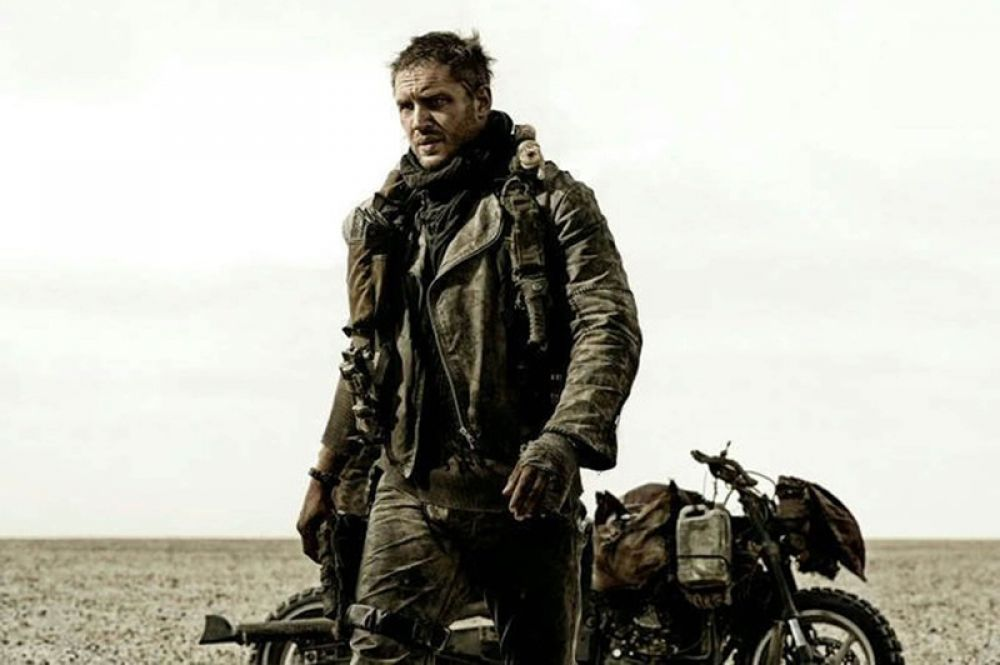 В постапокалиптическом боевике «Безумный Макс: Дорога ярости» (2015) актёр сыграл Макса Рокатански.