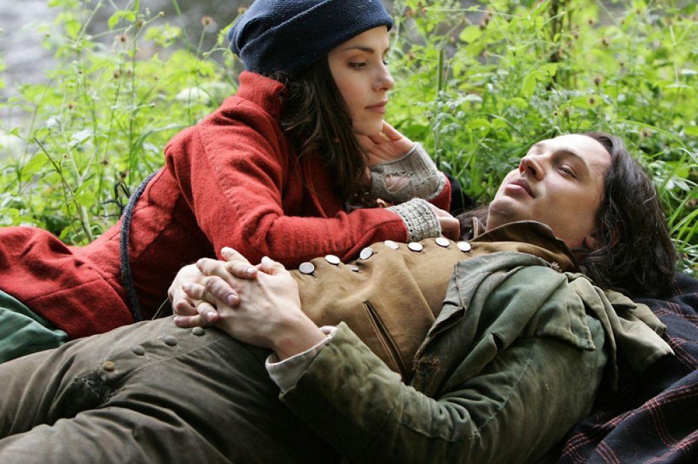 В августе того же года он появляется в экранизации романа Эмили Бронте «Грозовой перевал» (2009), исполнив роль Хитклиффа.
