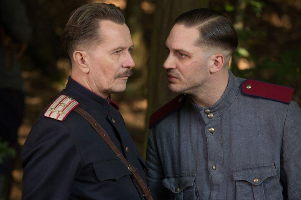В 2015 году Том Харди снялся в триллере «Номер 44», где сыграл сотрудника МГБ Льва Демидова.