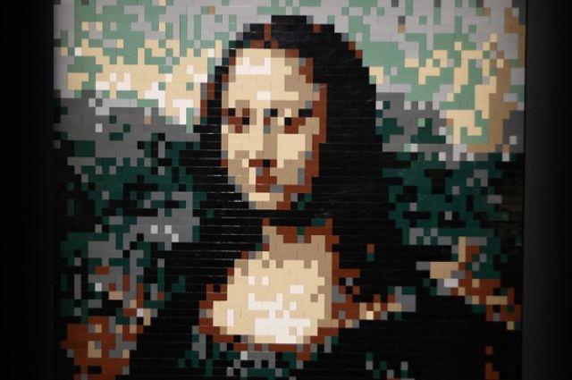 Картина кисти да Винчи сделана из нескольких тысяч блоков.