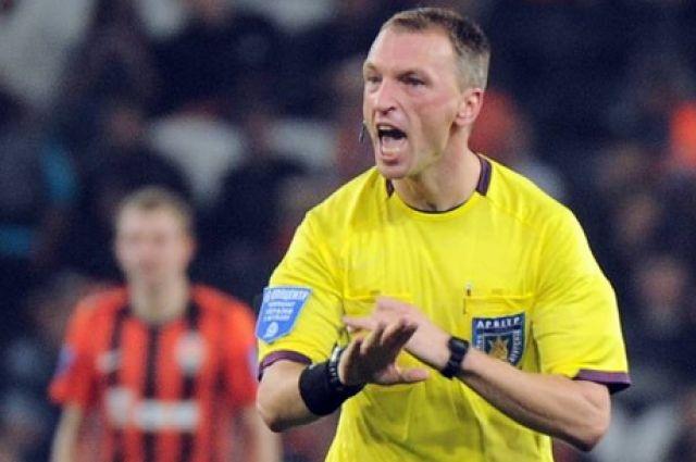 Федерации футбола Украины прекратила сотрудничество сарбитром Жабченко