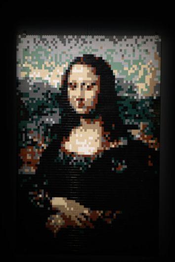 Работа кисти да Винчи воплотилась в кубиках Лего.