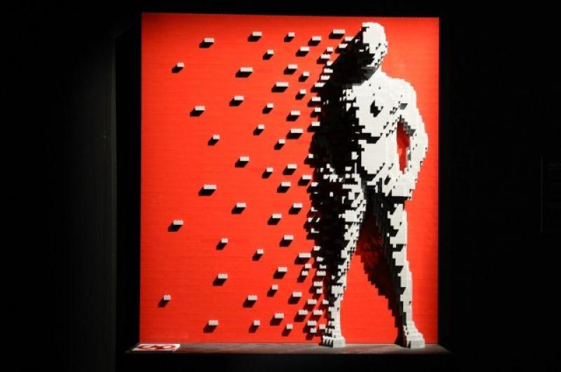 На выставке можно увидеть более 80 фигур.