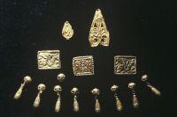 Золотые украшения, найденные в скифском кургане. Архивное фото.