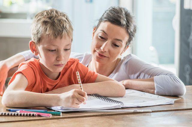 Мама, запарту! Как научить родителей помогать ребенку сдомашним заданием