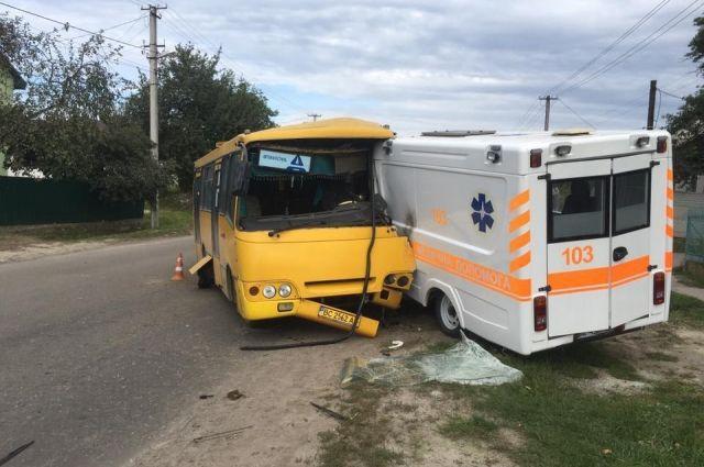 ДТП во Львовской области: автобус въехал в