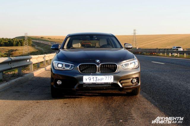 Машина стоит более 5 миллионов рублей.