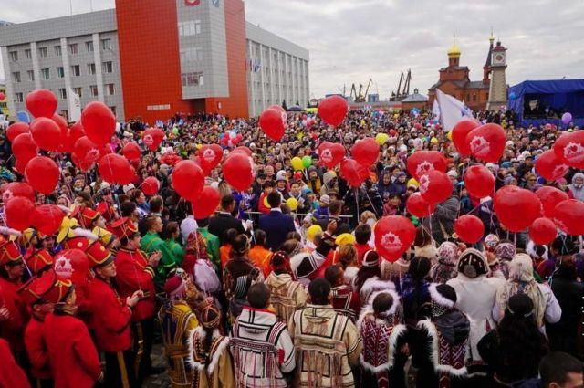 5,5 тысяч жителей города спели хором.