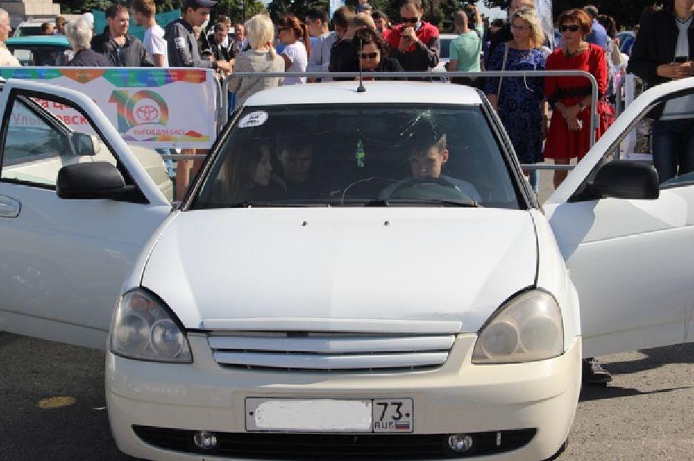 Автомобилисты хвастались мощными колонками.