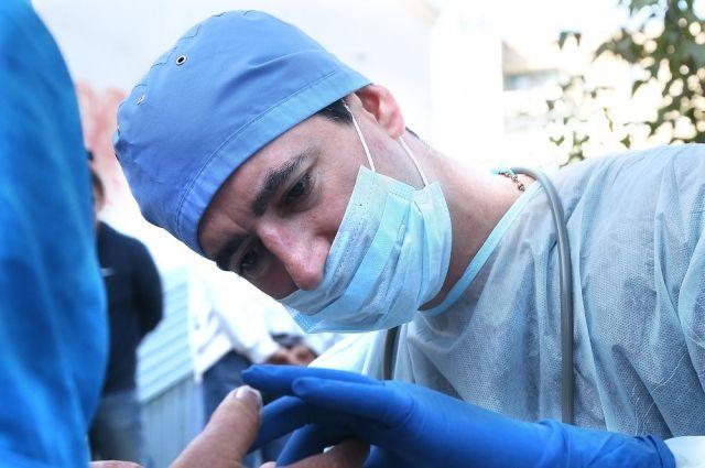 Евгений Косовских – последователь доктора Лизы (Елизаветы Глинки), он хочет остановить распространение инфекционных заболеваний.