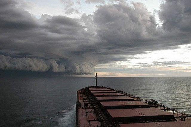 Тропический шторм «Мария» в Атлантическом океане усилился до урагана