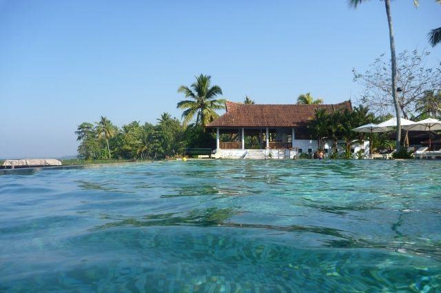 Перед туристическим сезоном власти Гоа запретят употреблять спирт в социальных местах