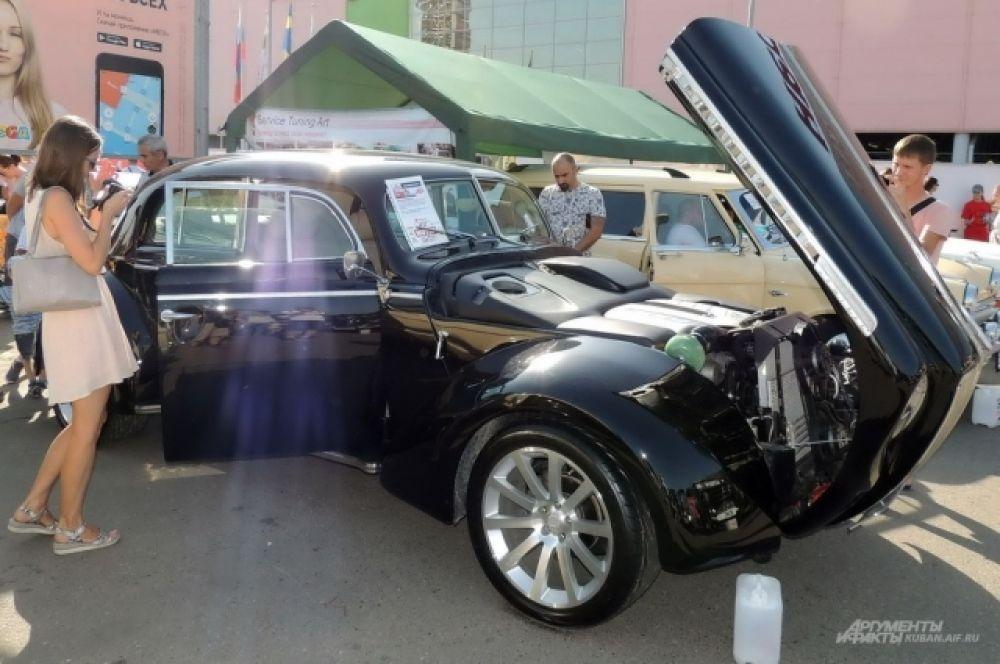 Самодельный автомобиль, построенный на основе Opel Admiral 1938 года выпуска.