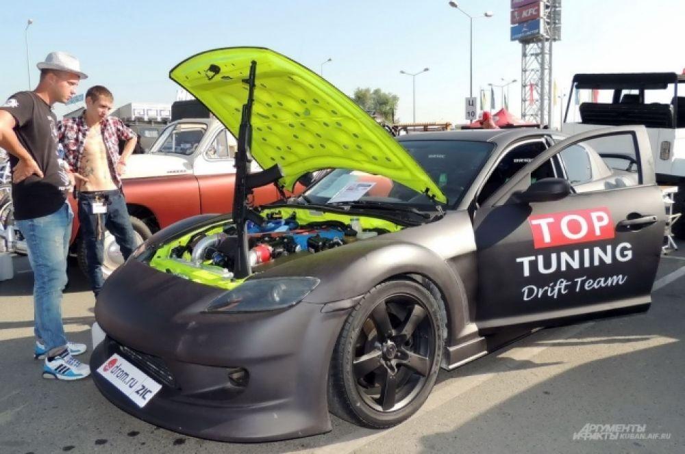 Самодельный автомобиль, созданный для выставок и гонок на основе кузова Мазда RX-8.