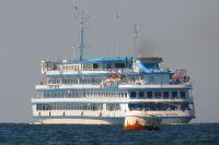 Безработные тюменцы могут устроиться стюардом на лайнер или сомелье