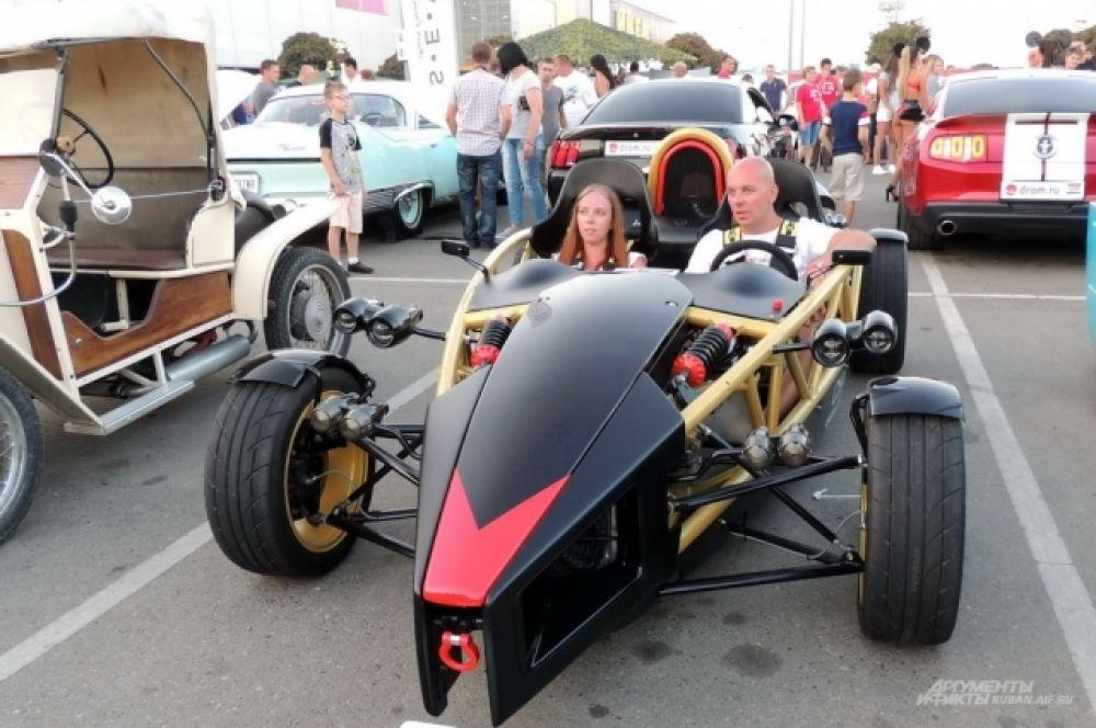 Самодельный автомобиль CHAS2.