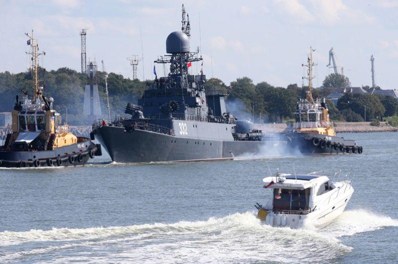 Малый противолодочный корабль «Калмыкия» во время выхода кораблей Балтийского флота в море в рамках российско-белорусских стратегических учений «Запад-2017».