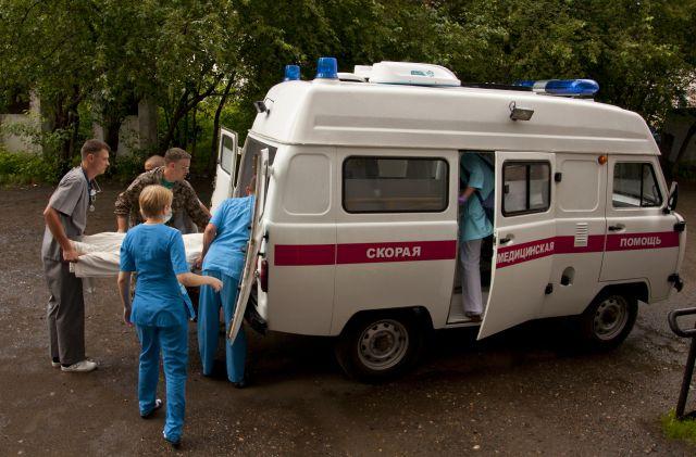 Пострадавшую пенсионерку увезли в больницу.