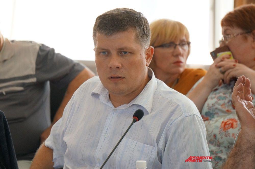Исполнять обязанности министра здравоохранения будет Дмитрий Матвеев.