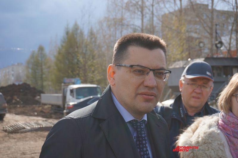 Пост первого заместителя председателя Правительства занял Михаил Сюткин. Он будет курировать министерство строительства, транспорта и министерство имущества.