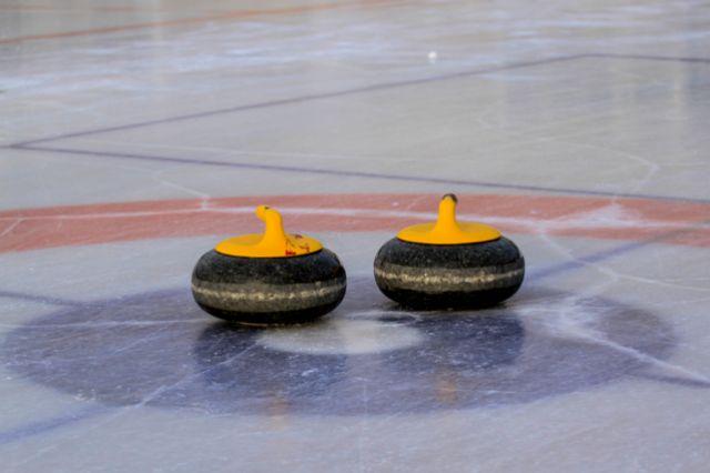В первом полуфинале встретились две команды Иркутской области.