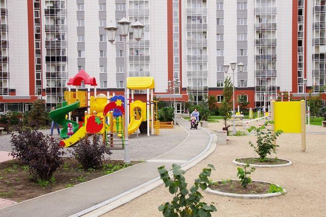 Покупка жилья путём участия в долевом строительстве (вложение на этапе возведения здания) – была и остаётся привлекательным способом обретения заветных квадратных метров.