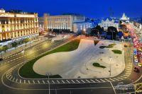 Чтобы увидеть, как изменилась Лубянская площадь, лучше всего подняться на смотровую площадку Центрального детского магазина.