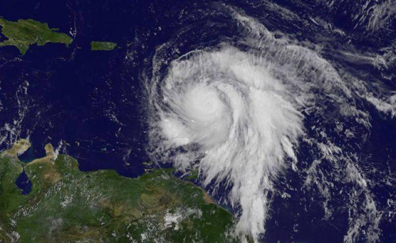Ураган «Мария» в Атлантическом океане, вид со спутника.
