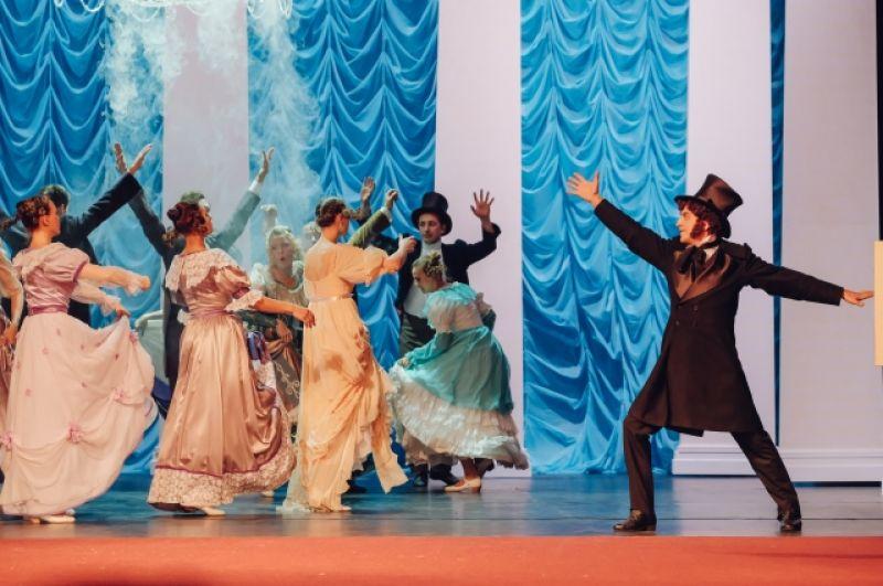 Спектакль работает с чувствами, активирует воспоминания и включает ассоциации.