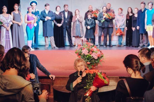 На премьеру драмконцерта из Лондона прилетела вдова Дмитрия Александровича – Надежда Георгиевна Бурова.