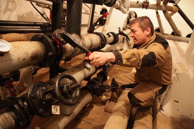 В Омске готовятся запустить системы отопления.