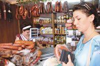 Несмотря на санкции, на красноярских прилавках запрещённые продукты встретить можно.