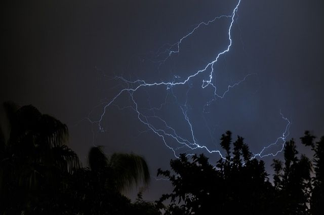 Гроза, перепугавшая ночью пол-Тюмени, вывела из строя насосные агрегаты