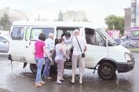 Каждое утро у большинства горожан начинается с давки в автобусе.