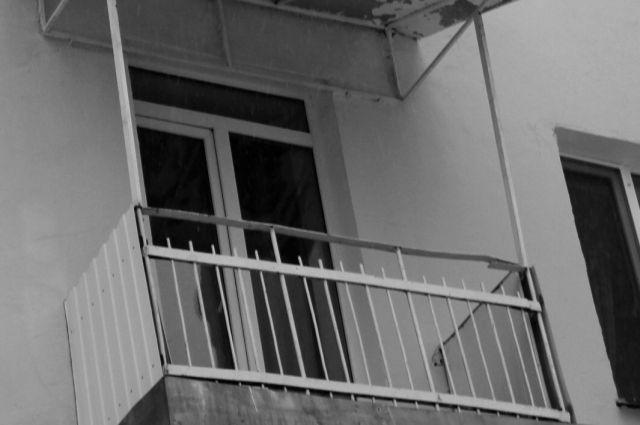 Белоруса выбросили сбалкона хостела вАдмиралтейском районе