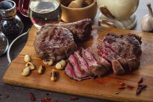 Смягчаем мясо и взбиваем белок. Кулинарные советы от профессионала