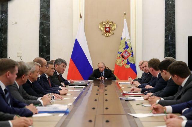 Путин заявил, что его порадовали итоги выборов глав регионов