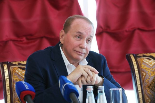 Масляков опроверг сообщения о том, что в КВН не шутят про президентов
