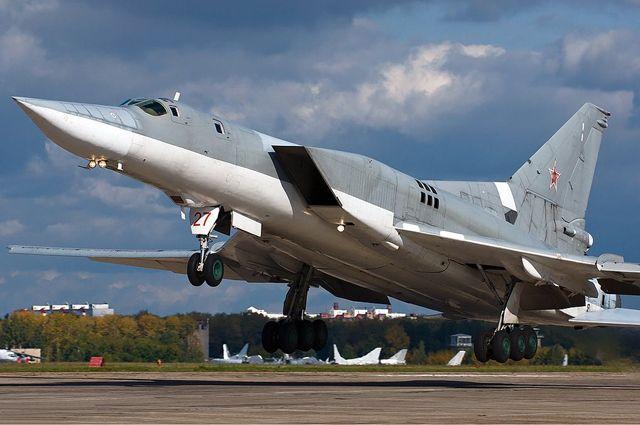Российские Ту-22МЗ в Балтике сопровождали истребители НАТО