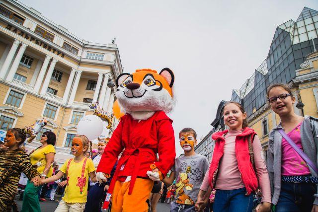 Колонна техники для охотнадзора открыла карнавал вчесть Дня Тигра