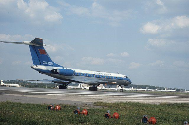 Ближнемагистральный пассажирский самолет Ту-134.