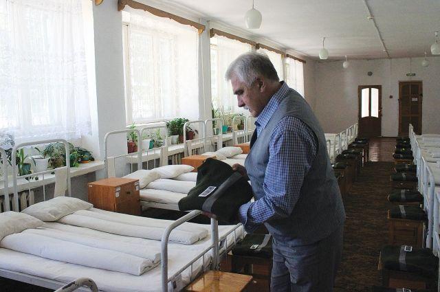 В воспитательной колонии теперь вместо двухъярусных кроватей - одноярусные.