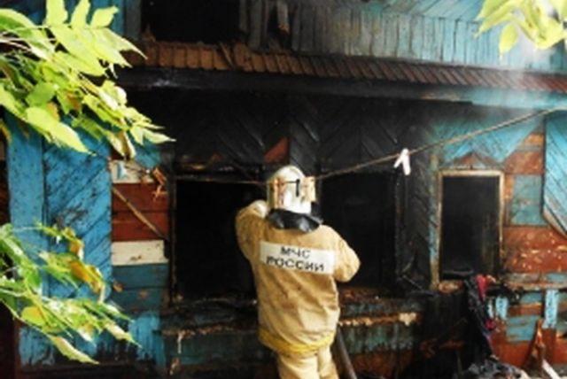 В Тигильском районе Камчатского края сгорел деревянный жилой дом
