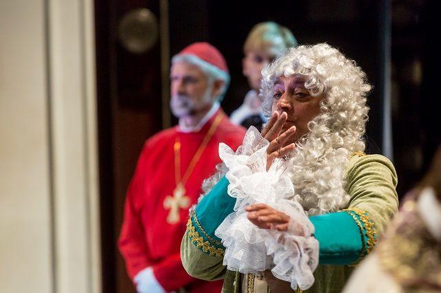 Пензенские актеры представят «Кабалу Святош» по пьесе Михаила Булгакова.