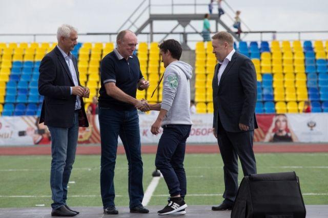 В августе Борис Дубровский открыл новый стадион в Магнитогорске. Как и многие другие спортивные объекты в регионе, он будет доступным для инвалидов.