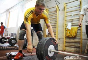 Денис Кехтер выступал за Волгоград, а теперь будет зарабатывать медали для Казахстана.