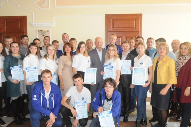 В компании проходят практику не менее 90 студентов омских высших и средних профессиональных учебных заведений.