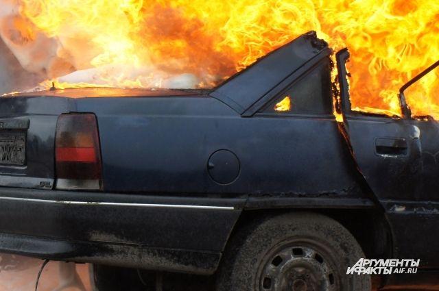 В сгоревшем под Калининградом такси обнаружили обгоревший труп мужчины.