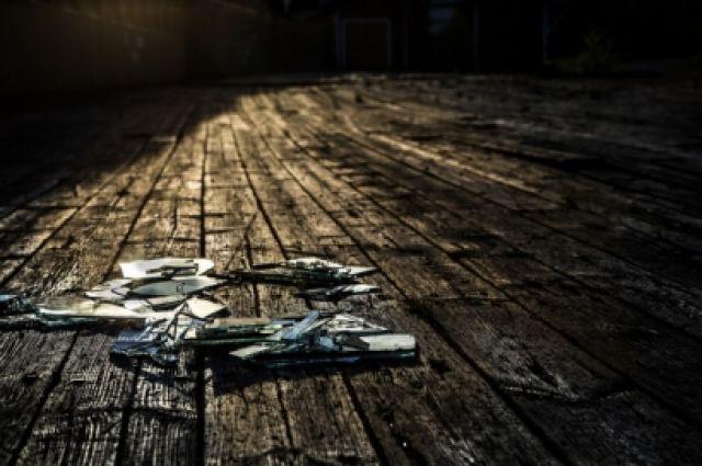 ВБашкирии тесть убил своего зятя, толкнув его наосколки стекла